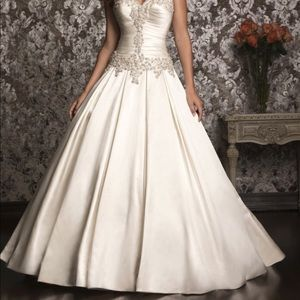 Allure Bridals Dress (style 9003A) in Ivory White